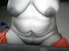 OLDER FILIPINA aged LYLA G SHOWS OFF HER STRIPPED BODY ON LIVECAM!