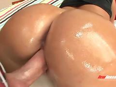 Bubble butt makes amazing fuck pleasure
