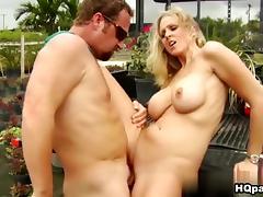Julia Ann, Hunter in Got bush Video