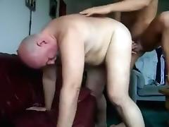 Son copulates dad/hijo coje a papa