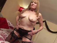 Mature British bimbo still loves the masturbation more than anything