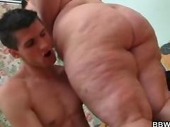 Plump bbw is getting picked up and fucked