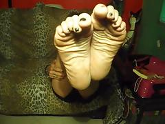 Sexy Italian Wrinkled Soles Humiliation