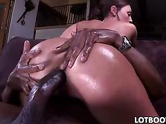 Big white ass of Olivia Wilder gets some black dick